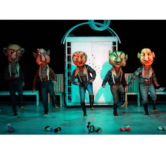 تئاتر کودک و نوجوان امکانی توانا برای ارتباطات