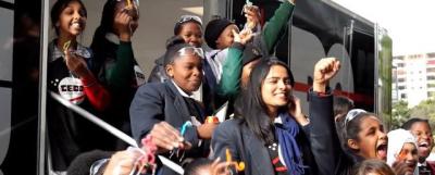 14 دختر نوجوان آفریقایی، یک ماهواره ساختند