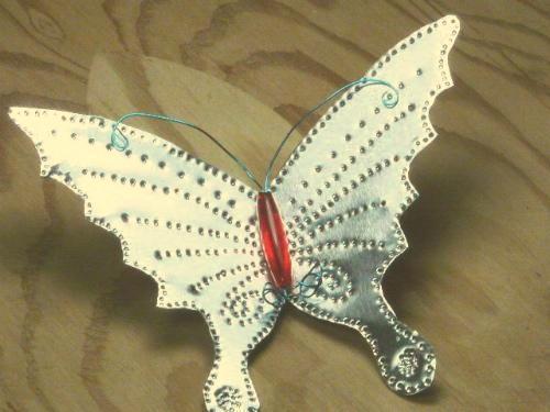 پروانهی آلومینیومی
