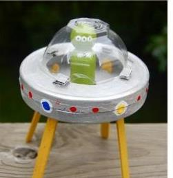 ساخت اسباب بازی سفینه فضایی