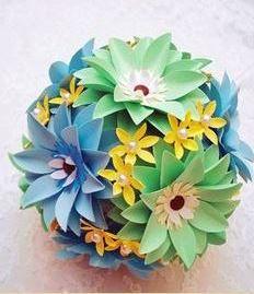 گلدان گل کاغذی