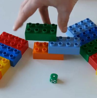 بازی با تاس و لگو