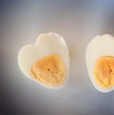 چگونه تخممرغ به شکل قلب بسازیم