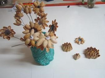 گلدان با پوست پسته