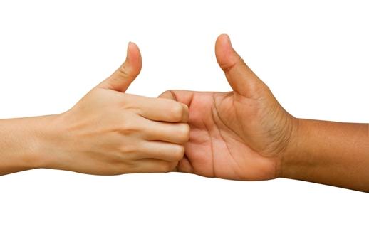 بازی انگشتان دست