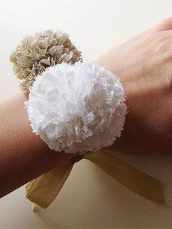 دستبند منگوله ایی