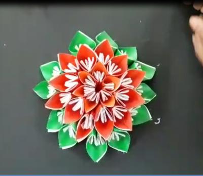 گل نیلوفری