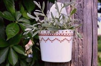 گلدان  پلاستیکی دیوارکوب