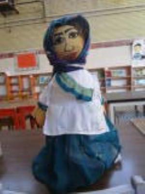 عروسک محلی