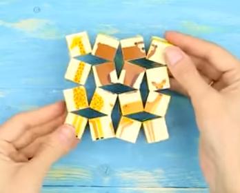 جور کردن تصاویر در کنار هم مانند یک پازل با حرکت مکعب های کوچک