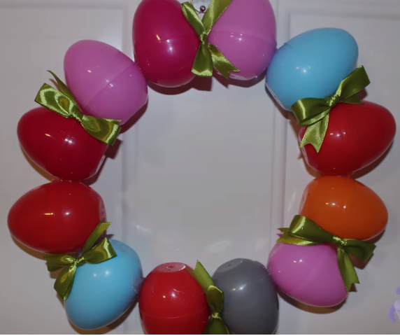 تزئین سفره عید، حلقهی تخم مرغ رنگی