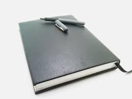 بررسی نتایج داوری طرح های پژوهشی و پایان نامه ها با تاکید بر ویژگی های مسئله در طرح های پژوهشی