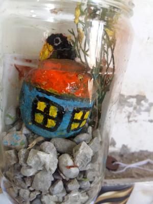 خونه سنگی کار با شیشه و سنگ و تزیینات
