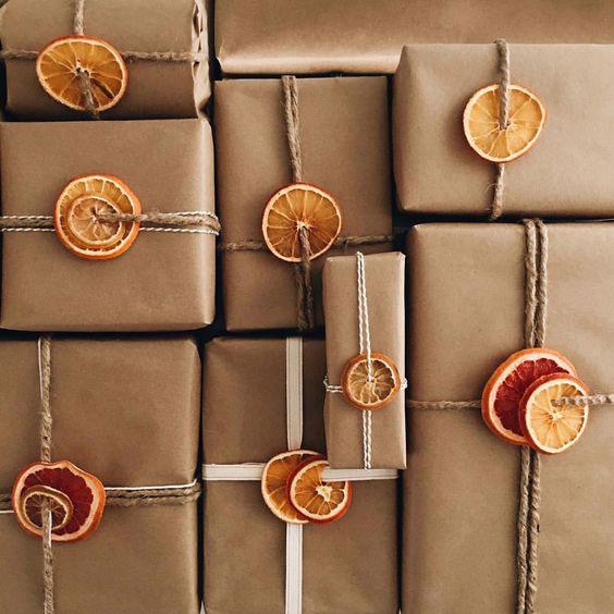 بستهبندی جعبه هدیه با میوهها