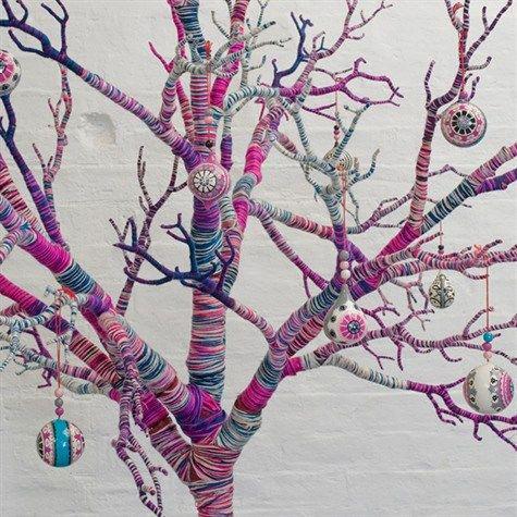 شاخه های کاموا رنگی