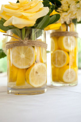 گلدان با برشهای میوه